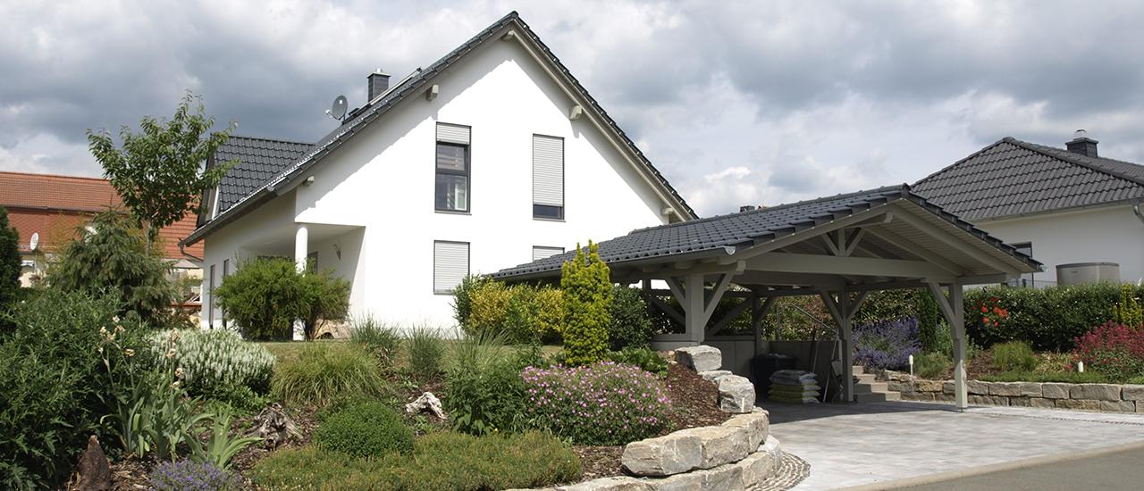 Satteldachhaus mit individuellem Carport